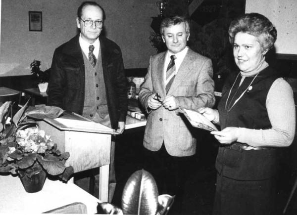 Überreichung der silb. Ehrennadel an Marianne Glück
